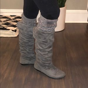 Shoes - Grey Sweater Lined Boots